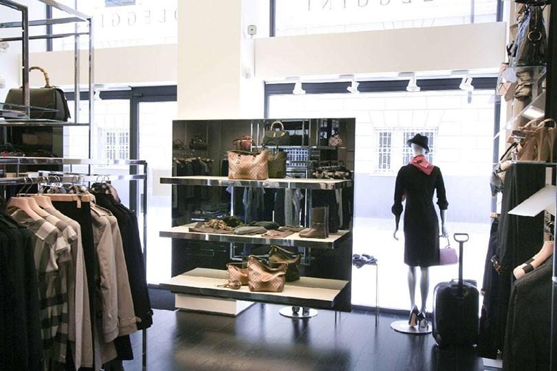 cheaper 8f101 ac20d Oleggini - Abbigliamento Uomo Donna a La Spezia | ShoppingMap.it