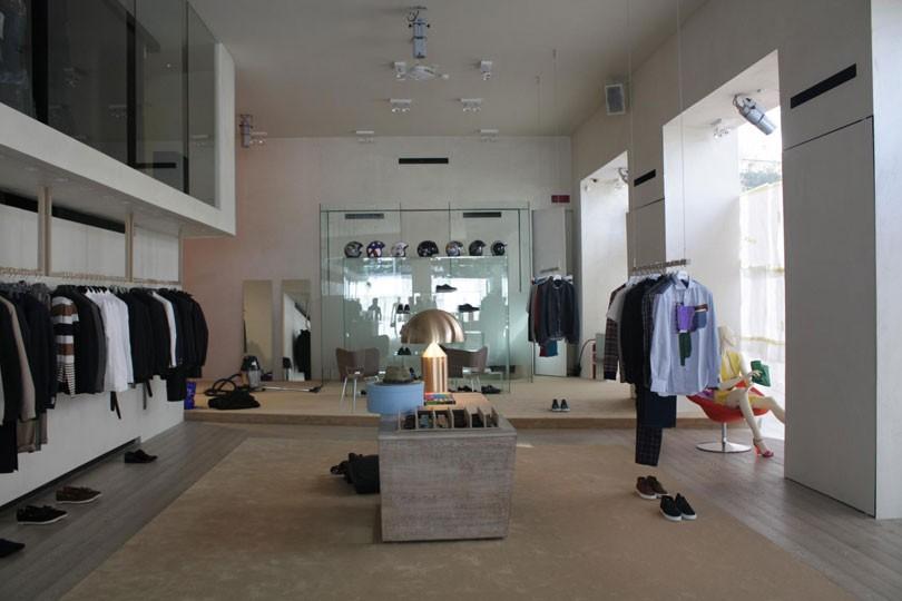 Gigi Tropea - Abbigliamento Uomo Donna a Catania  864dce72d5cd