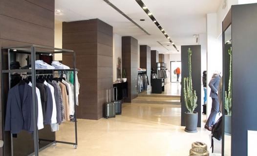 Il Faro Uomo - Abbigliamento Uomo Donna a Avellino  84d251ac6f0
