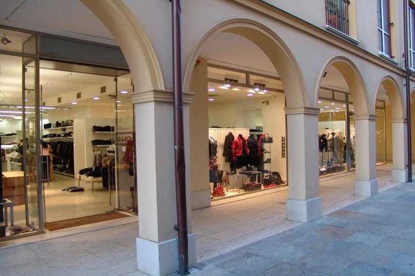 b2c4de3e2f Cillo - Abbigliamento Uomo Donna a Formigine | ShoppingMap.it